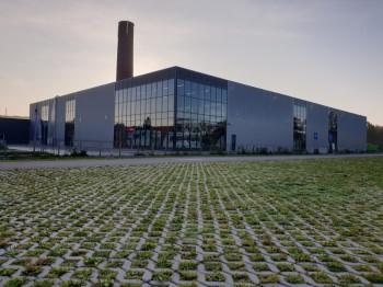 Neue Halle und Renovierung Fassade Obelink